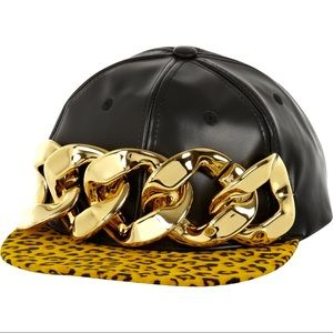New chain hat